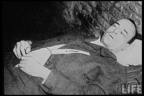 Guvernatorul nazist al Poloniei Hans Frank după execuţie