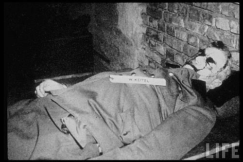 Comandantul armatei naziste mareşalul Wilhelm Keitel după execuţie
