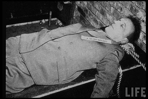 Reichskommisarul Austriei naziste Arthur Seyss Inquart după execuţie